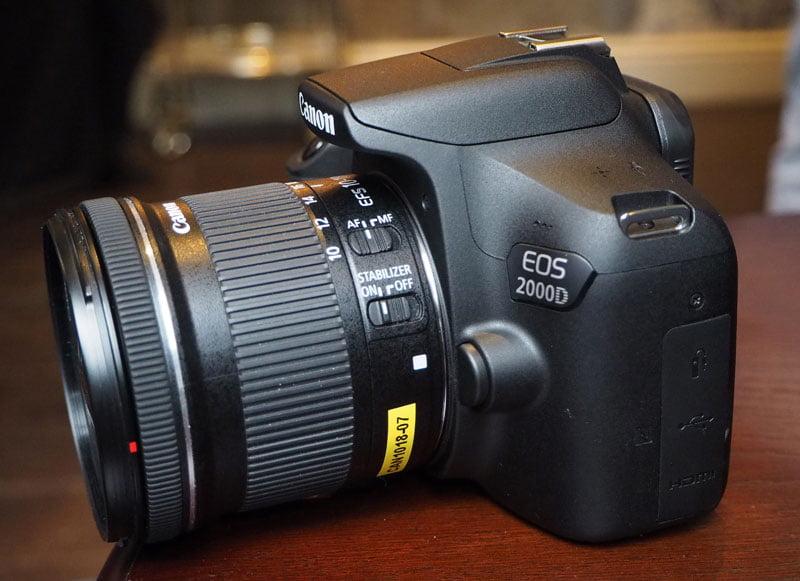 دوربین کانن مدل EOS 2000D با لنز 18-55 میلی متر IS II